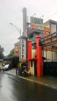 Sulit Place Quezon City Exterior