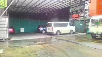 Sulit Place Quezon City Parking