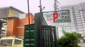 Sulit Place Quezon City Exterior detail