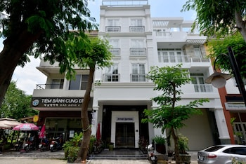 Saigon South Serviced Apartments