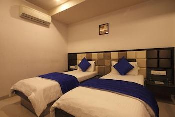 Hotel Flair Inn - Hotel Interior  - #0