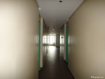 Cebu R Hotel - Mabolo Branch Hallway