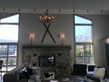 Highline Lodge