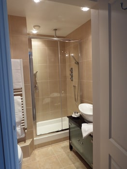 Bridge Hill House - Bathroom  - #0