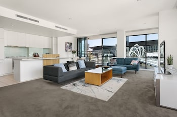 Waterfront Melbourne Apartments