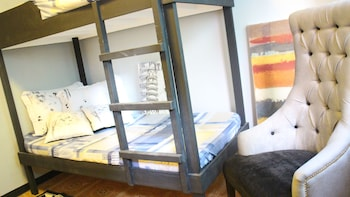 Urban Hostel Makati