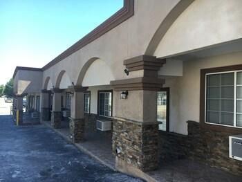 Bartlett Motel in Lomita, California