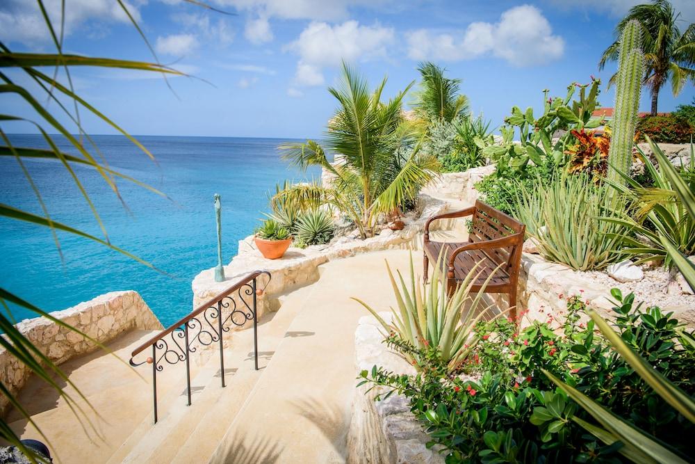 Lagun Blou Resort