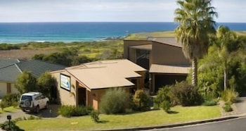 Beachfront Apartments Narooma (500278) photo