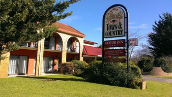 Idlewilde Town & Country Motor Inn - Featured Image  - #0