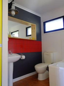 Deshons Retreat - Bathroom  - #0