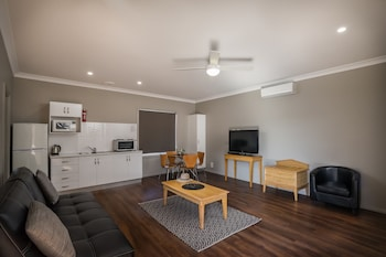 Photo for Akuna Motor Inn and Apartments in Dubbo, New South Wales