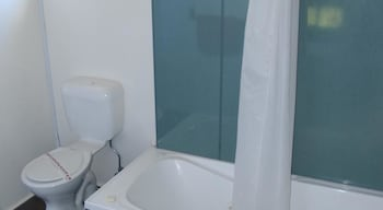 Launceston Holiday Park Legana - Bathroom  - #0