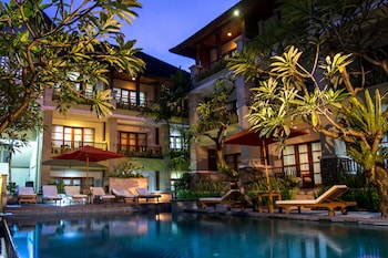 Photo for Fourteen Roses Beach Hotel in Bali