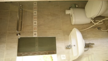 Sugiras Living - Bathroom  - #0