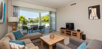 White Shells Luxury Apartments - Living Area  - #0