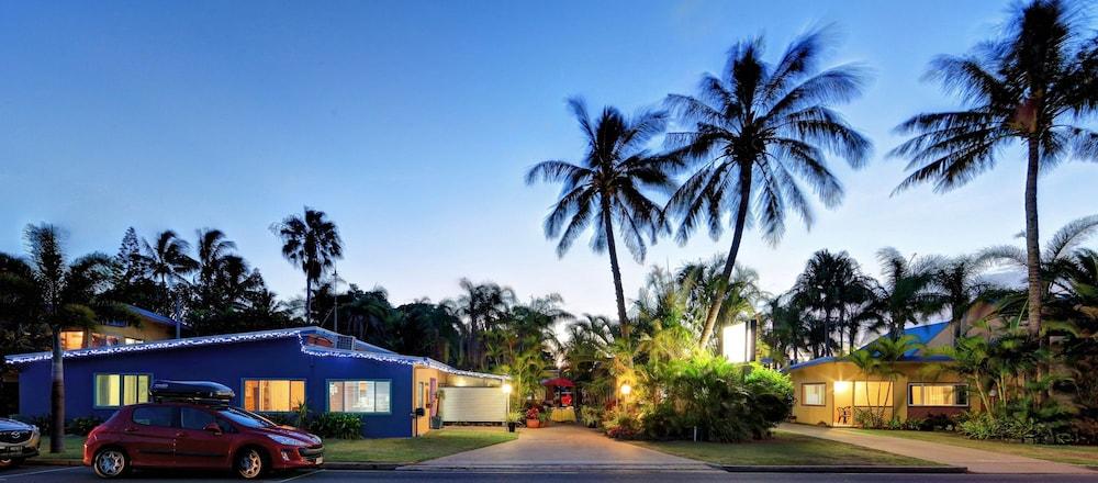 Bargara Gardens Motel & Holiday Villas