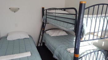 Kowhai and Colonial Motel - Guestroom  - #0