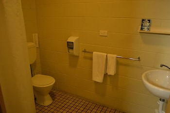 Corio Bay Motel - Bathroom  - #0