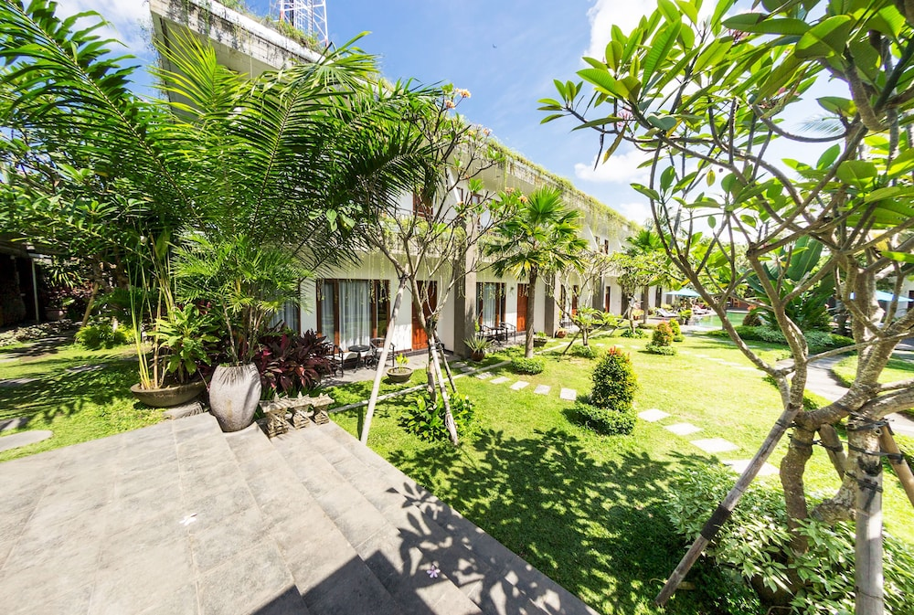 Ubud Raya Hotel Bali Price Address Reviews