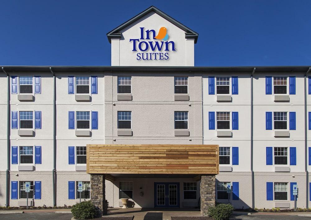InTown Suites Newport News City Center