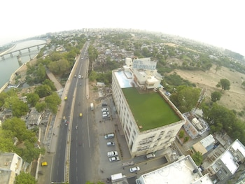 Hotel Silver Cloud Ahmedabad - Aerial View  - #0