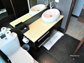 The Pacifico Boutique Hotel Cagayan De Oro Bathroom