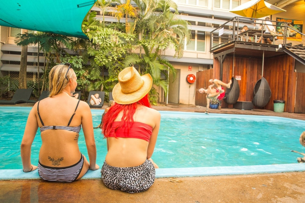 Youth Shack Backpackers - Hostel