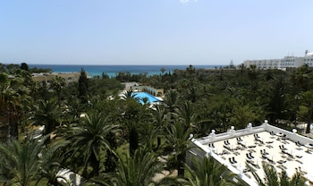 Hotel Mediterranee Thalasso-Golf - Terrace/Patio  - #0