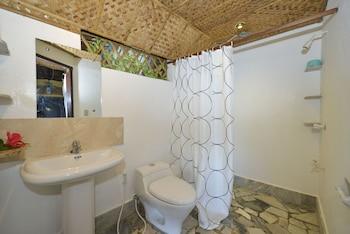 Ralph's Place Boracay Bathroom