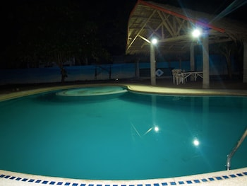 Purple Snapper Dive Resort Malapascua Indoor Pool