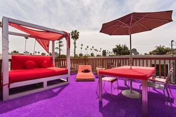 Beverly Hills Modern Guesthouse in Beverly Hills, California