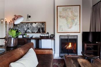 Emily Moon River Lodge - Living Area  - #0