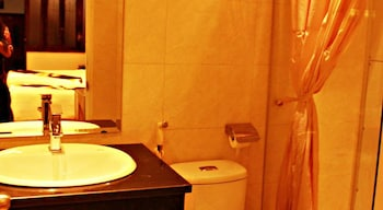 Hanoi Asia Guest House Hotel - Bathroom  - #0