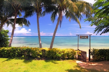 Coconut Grove Beachfront Cottages (313895872) photo