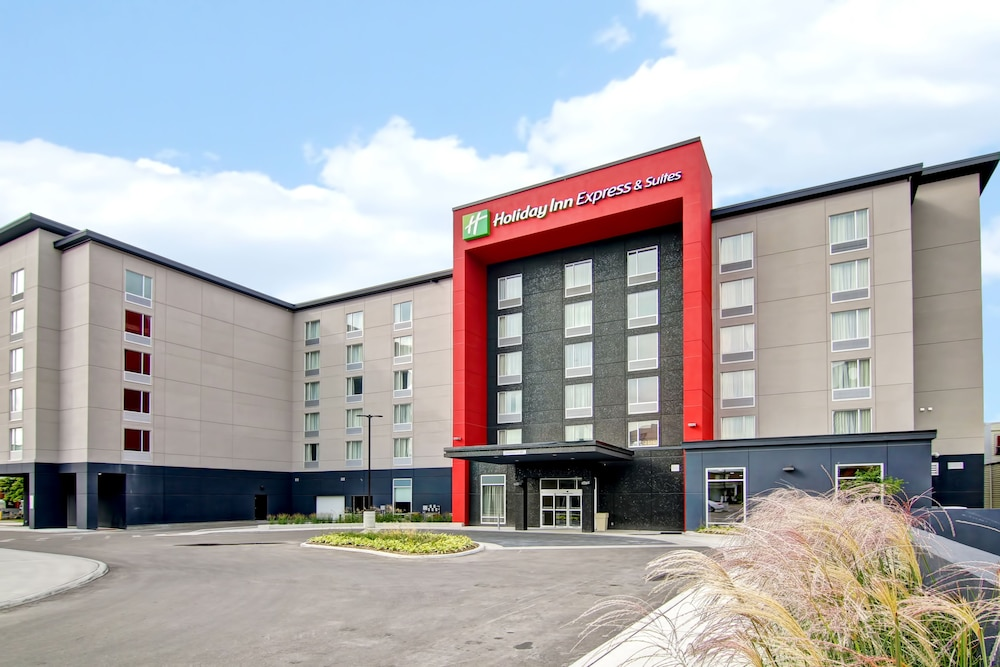 Holiday Inn Express & Suites Oshawa Downtown - Toronto Area