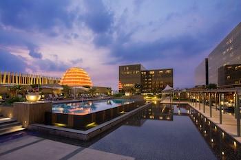 Nobu Hotel Manila Rooftop Pool