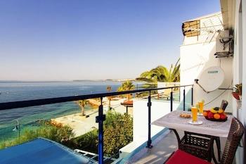 Beachfront Villa Mediteran (489132) photo