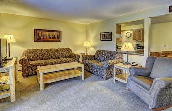 Lake Forest Resort & Club in Eagle River, Wisconsin