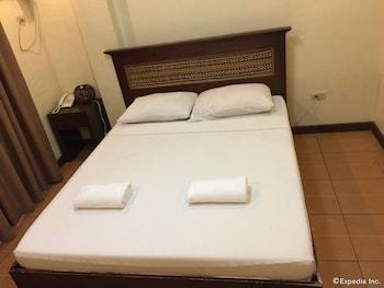 Darunday Manor Bohol Guestroom