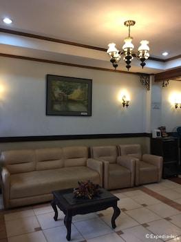 Darunday Manor Bohol Lobby Sitting Area