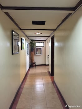 Darunday Manor Bohol Hallway