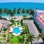 Sun & Sands Beach Hotel photo 30/41