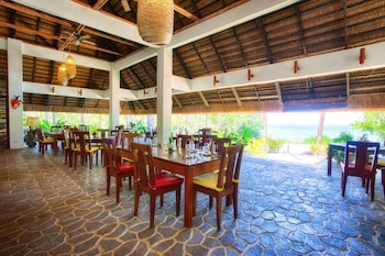 Amun Ini Beach Resort & Spa Bohol Restaurant