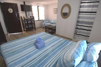 Cove Sands Beach Resort Dumaguete Guestroom