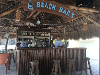 Cove Sands Beach Resort Dumaguete Poolside Bar