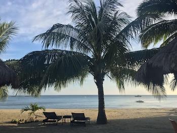 Cove Sands Beach Resort Dumaguete Beach