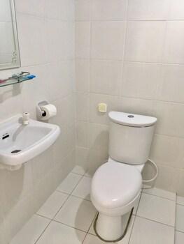 Cove Sands Beach Resort Dumaguete Bathroom