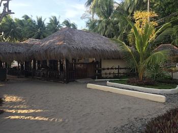 Cove Sands Beach Resort Dumaguete Exterior