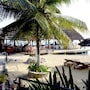 Ouanga Bay Beach Hotel photo 25/29